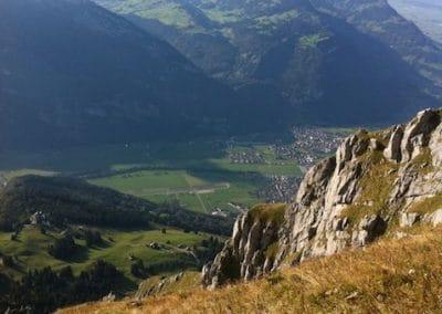 Fronalp mit Aussicht Richtung Näfels und Obersee