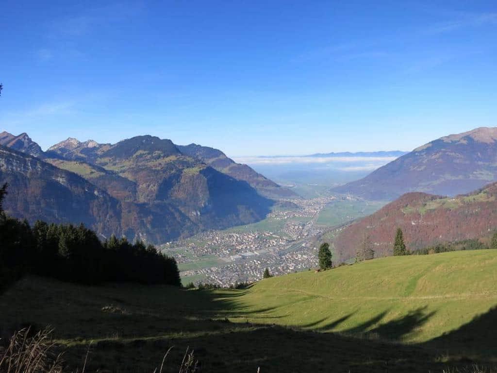 Fronalp - Aussicht Richtung Mollis, Näfels, Obersee, Linthebene