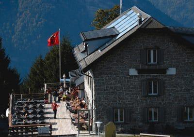 Terrasse und Haus Naturfreundehaus Fronalp