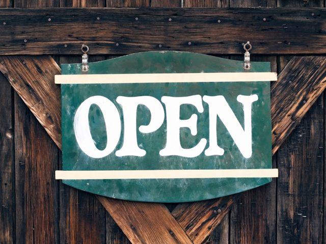 Open - wir haben geöffnet