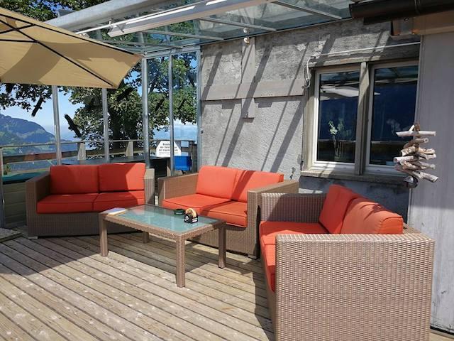 Lounge auf der Terrasse vom Naturfreundehaus