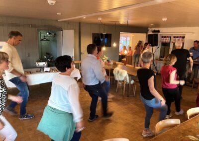 Tanz zur Musik vom Duo Players